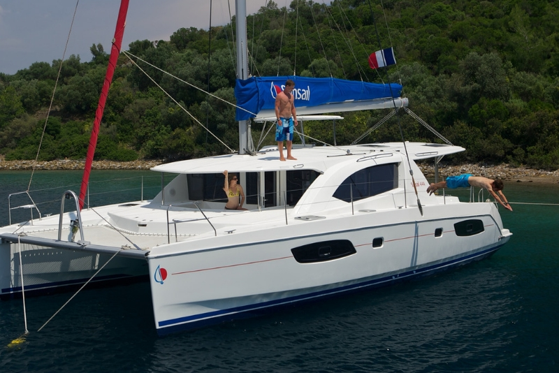 Anch on Lagoon 400 Catamaran