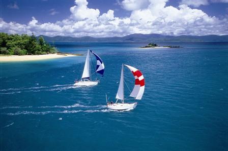 yachts-sailing